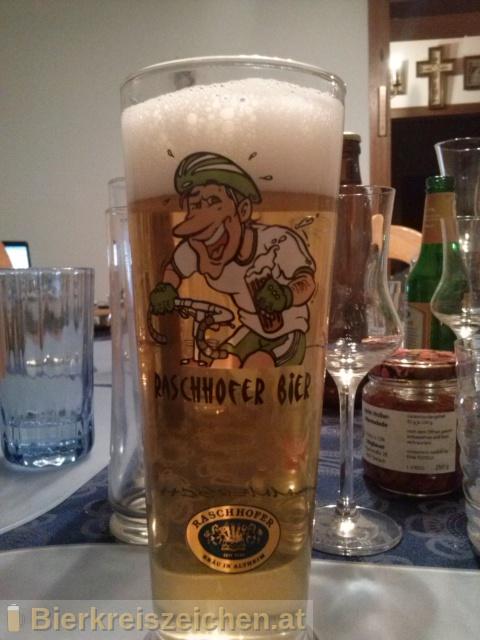 Foto eines Bieres der Marke Raschhofer Zwicklradler Quitte aus der Brauerei Brauerei Raschhofer