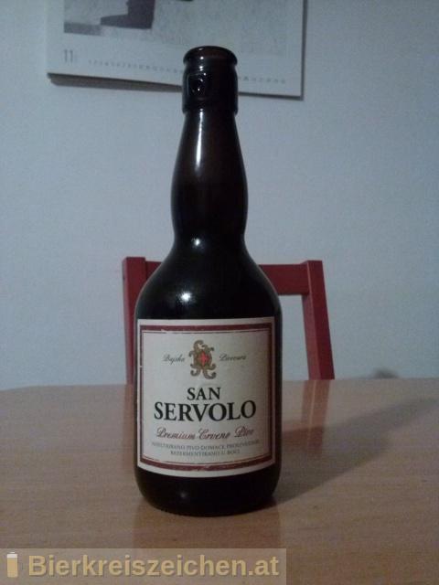 Foto eines Bieres der Marke San Servolo Premium Crveno Pivo   aus der Brauerei Bujska pivovara