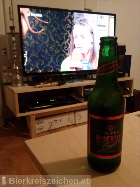Foto eines Bieres der Marke Trumer Imperial Pilsner aus der Brauerei Trumer Privatbrauerei