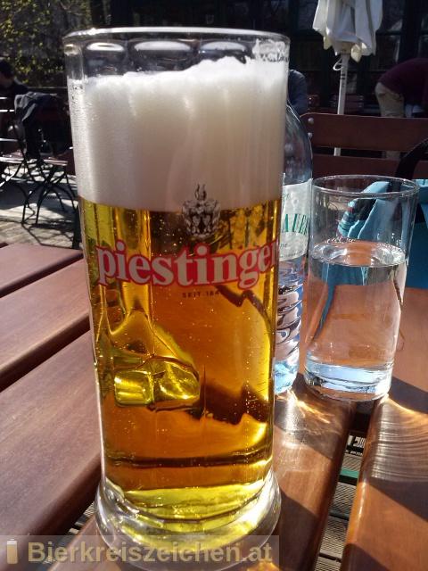 Foto eines Bieres der Marke Piestinger Lager aus der Brauerei Vereinigte Kärntner Brauereien AG