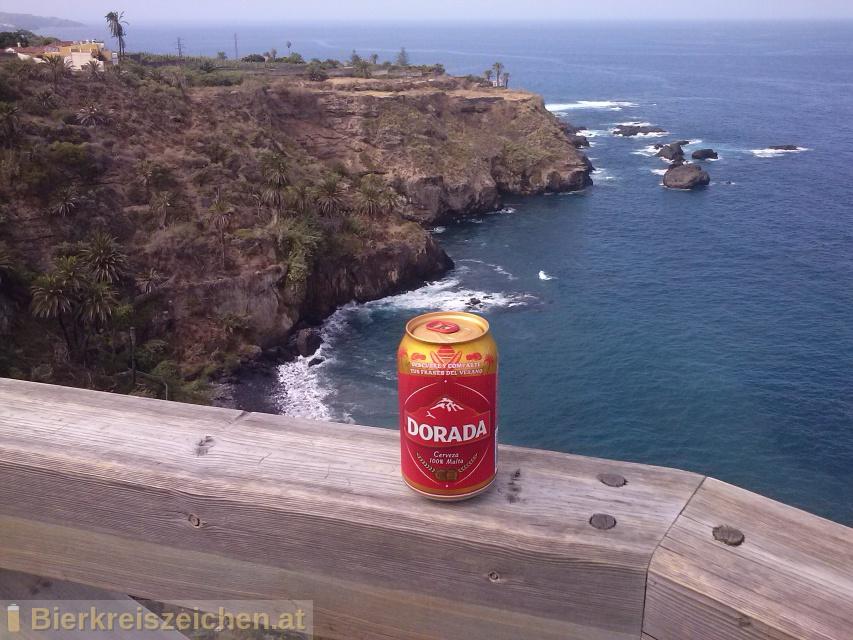 Foto eines Bieres der Marke Dorada aus der Brauerei Compañía Cervecera de Canarias