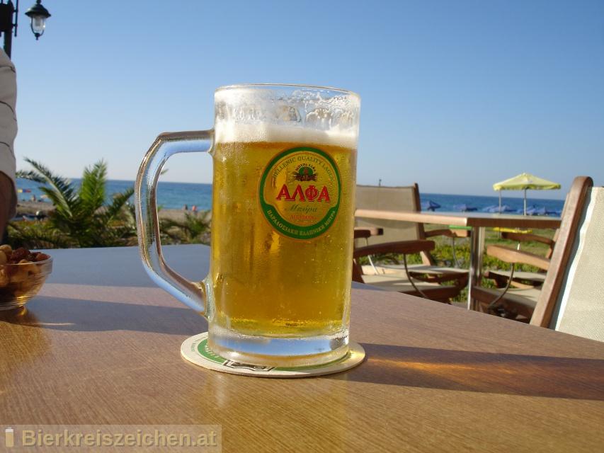 Foto eines Bieres der Marke Alpha Hellenic Beer aus der Brauerei Athenian Brewery S.A.