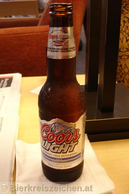 Foto eines Bieres der Marke Coors Light aus der Brauerei Coors Brewing Company