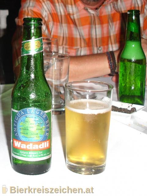 Foto eines Bieres der Marke Wadadli beer aus der Brauerei Antigua Brewery