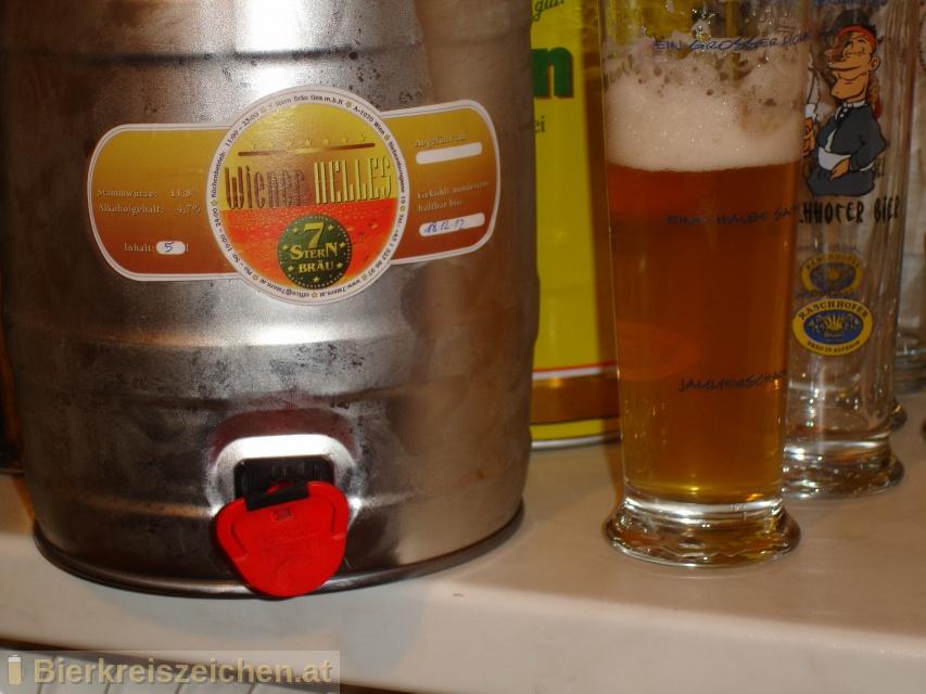 Foto eines Bieres der Marke 7Stern Wiener Helles aus der Brauerei Siebenstern Bräu