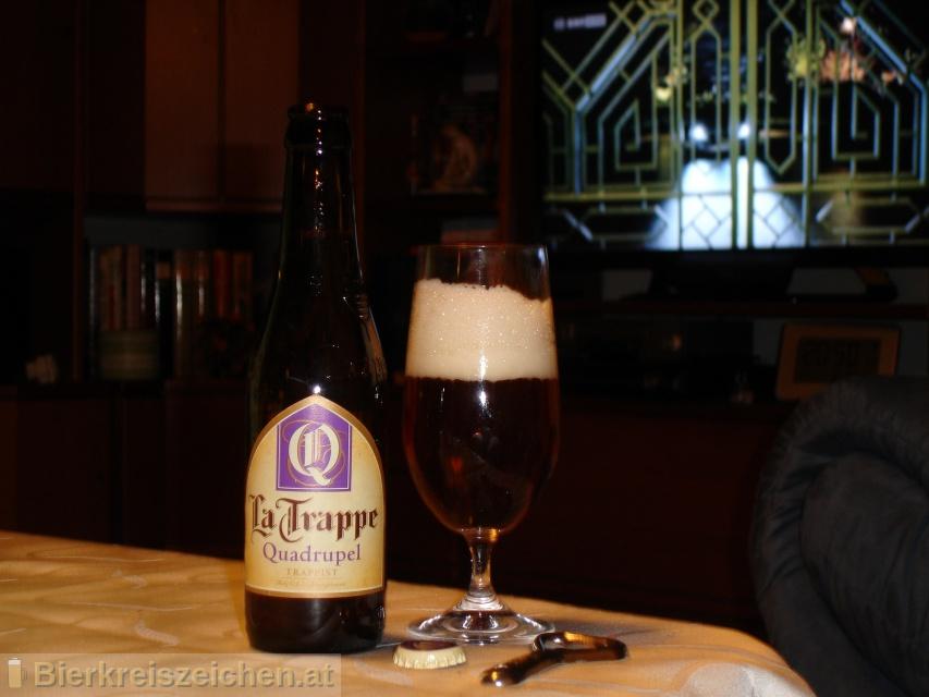 Foto eines Bieres der Marke La Trappe - Quadrupel aus der Brauerei Bierbrouwerij De Koningshoeven
