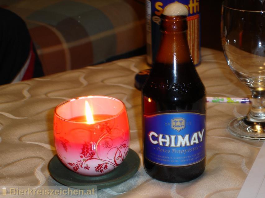 Foto eines Bieres der Marke Chimay Bleue aus der Brauerei Bières de Chimay