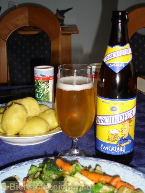 Foto eines Bieres der Marke Raschhofer Zwicklbier aus der Brauerei Brauerei Raschhofer
