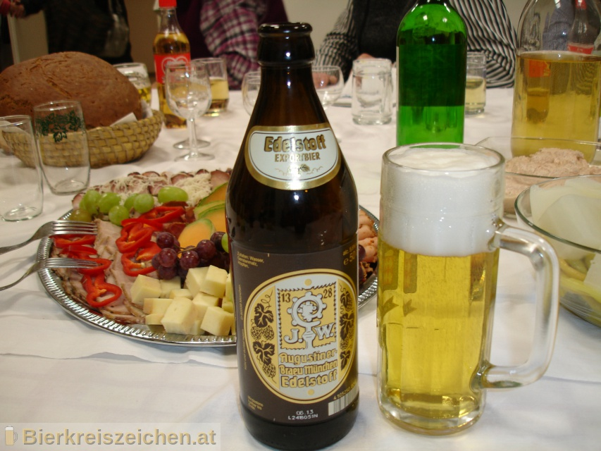 Foto eines Bieres der Marke Augustiner Edelstoff aus der Brauerei Augustiner-Bräu Wagner KG