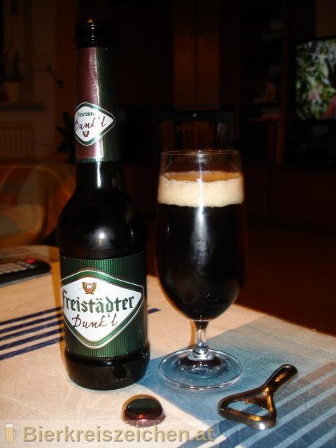 Foto eines Bieres der Marke Freistädter Dunk`l aus der Brauerei Braucommune in Freistadt