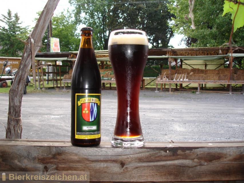Foto eines Bieres der Marke Flamberger Kürbis schwarz aus der Brauerei Brauerei Flamberger