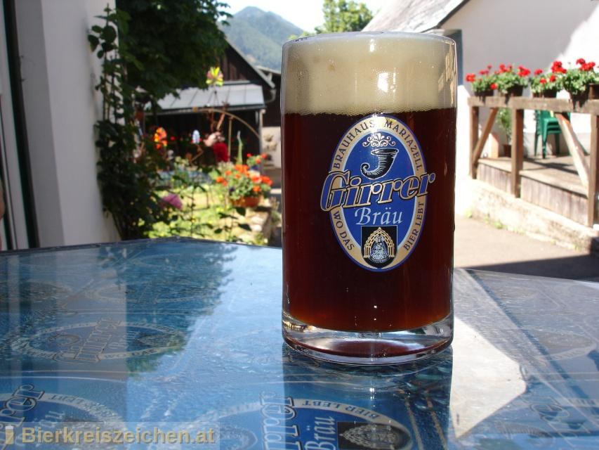 Foto eines Bieres der Marke mariazeLLer Pilgerbier aus der Brauerei Girrer Bräu - Wirtshausbrauerei Mariazell