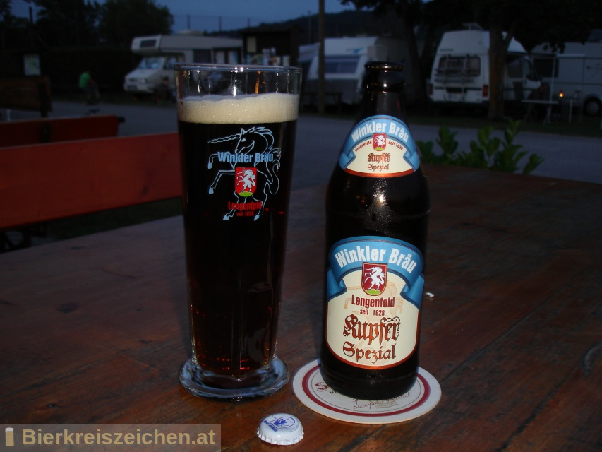 Foto eines Bieres der Marke Kupfer Spezial aus der Brauerei Winkler Bräu