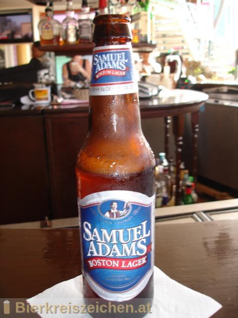 Foto eines Bieres der Marke Samuel Adams Boston Lager aus der Brauerei Boston Beer Company