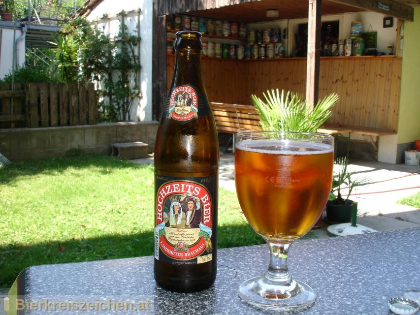 Foto eines Bieres der Marke Hochzeits Bier aus der Brauerei Landshuter Brauhaus