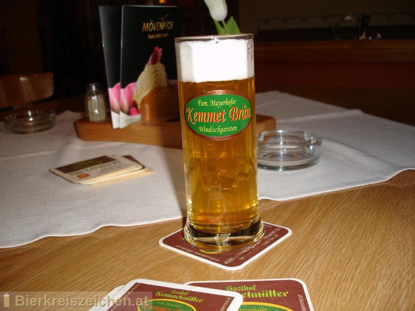 Foto eines Bieres der Marke Kemmetbräu hell aus der Brauerei Kemmetbräu