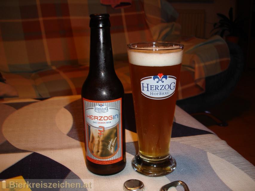 Foto eines Bieres der Marke Herzogin-Damenbier aus der Brauerei Herzog Hofbräu