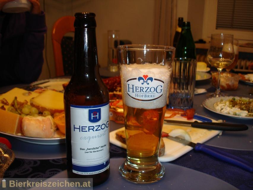 Foto eines Bieres der Marke Herzog - das herzlich Herbe aus der Brauerei Herzog Hofbräu