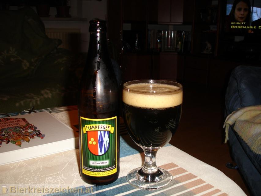 Foto eines Bieres der Marke Flamberger Schwarzbier aus der Brauerei Brauerei Flamberger