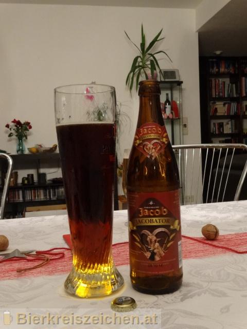 Foto eines Bieres der Marke Jacobator aus der Brauerei Familienbrauerei Jacob