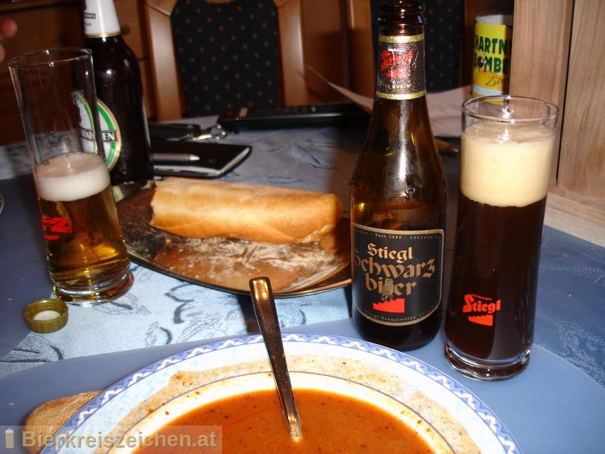 Foto eines Bieres der Marke Stiegl Schwarzbier aus der Brauerei Stieglbrauerei