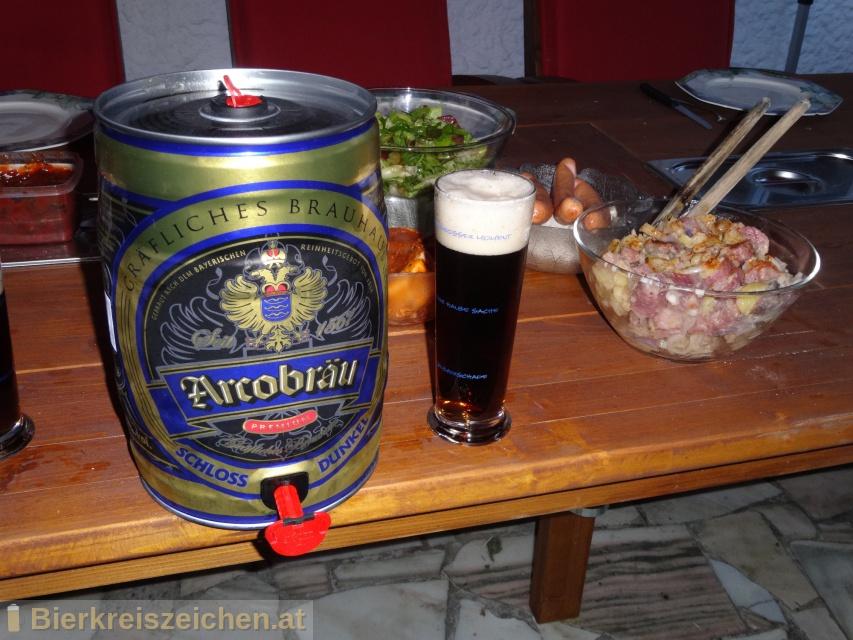 Foto eines Bieres der Marke Schloss Dunkel aus der Brauerei Graf Arco