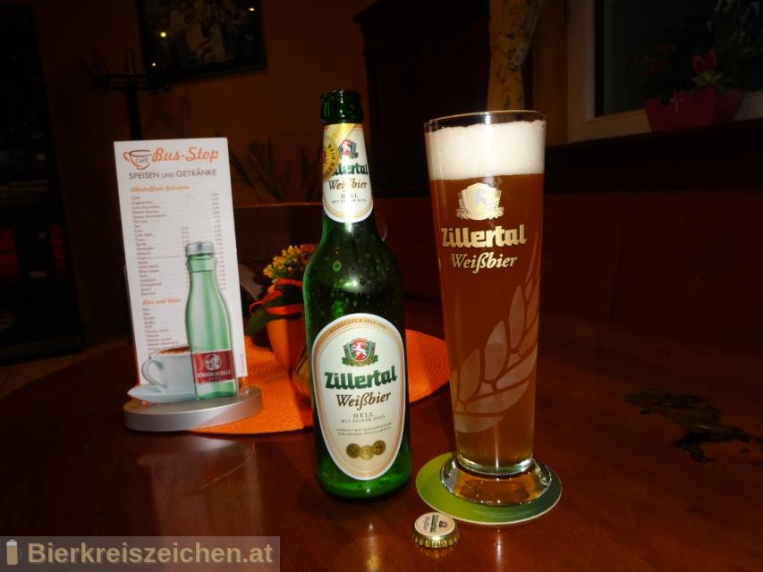 Foto eines Bieres der Marke Zillertal Weißbier hell aus der Brauerei Zillertal Bier