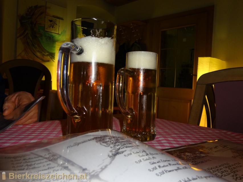Foto eines Bieres der Marke Dorftrunk aus der Brauerei Poldi Bier