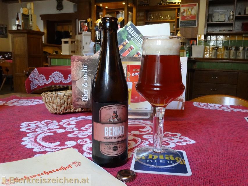 Foto eines Bieres der Marke Benno aus der Brauerei Trappistenabtei Stift Engelszell