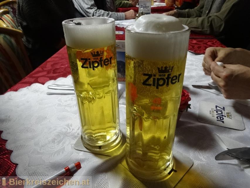 Foto eines Bieres der Marke Zipfer Märzen aus der Brauerei Brauerei Zipf