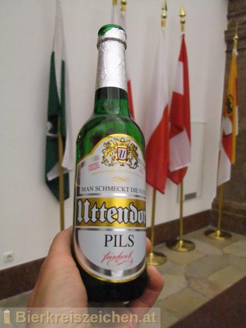 Foto eines Bieres der Marke Uttendorfer Pils aus der Brauerei Brauerei Vitzthum GmbH und Co.KG