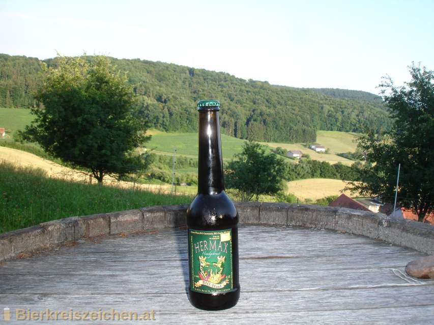 Foto eines Bieres der Marke HermaX Bio Hanf aus der Brauerei HermaX