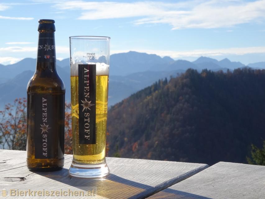 Foto eines Bieres der Marke Alpenstoff aus der Brauerei Bürgerbräu