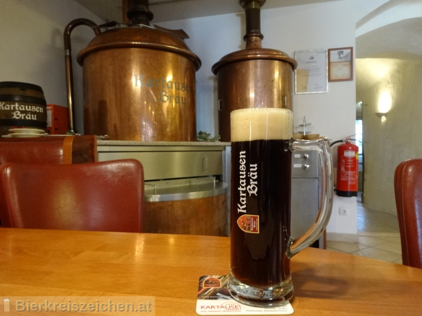 Foto eines Bieres der Marke Dunkles Prälatenbräu aus der Brauerei Kartausenbräu