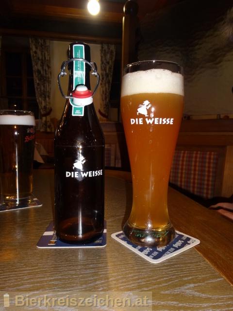 Foto eines Bieres der Marke Die Weisse hell aus der Brauerei Die Weisse