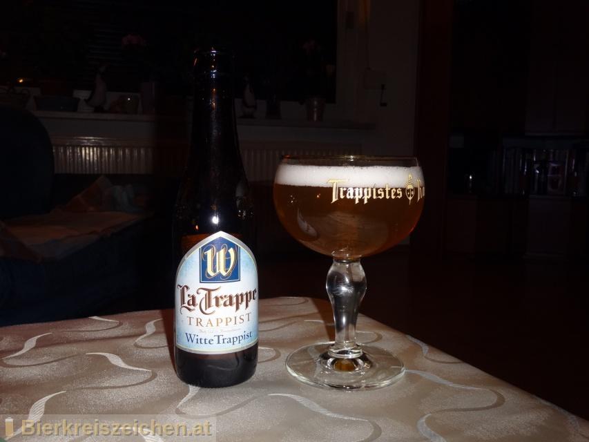 Foto eines Bieres der Marke La Trappe - Witte Trappist aus der Brauerei Bierbrouwerij De Koningshoeven