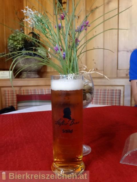 Foto eines Bieres der Marke Schlägl Stifter Bier aus der Brauerei Stiftsbrauerei Schlägl