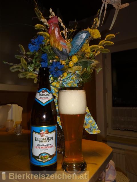 Foto eines Bieres der Marke Irlbacher Premium Hefeweizen Hell aus der Brauerei Schlossbrauerei Irlbach