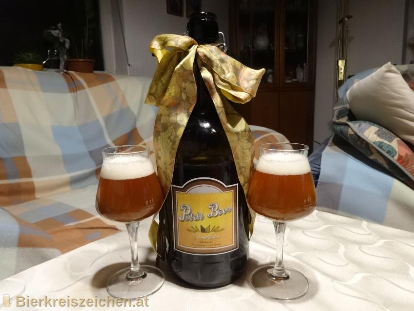 Foto eines Bieres der Marke Bernstein aus der Brauerei Poldi Bier
