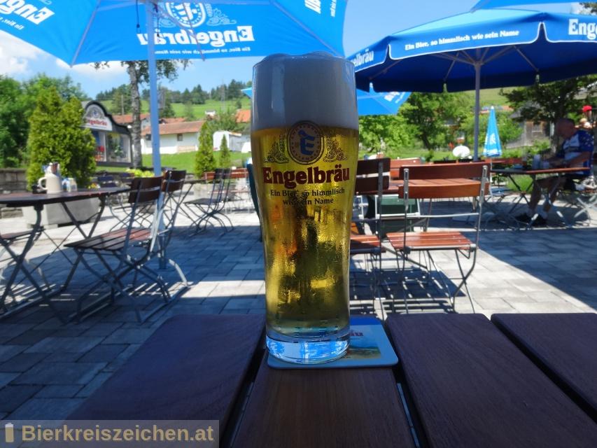 Foto eines Bieres der Marke Engelbräu Urtyp Hell aus der Brauerei Engelbräu