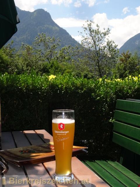 Foto eines Bieres der Marke Fohrenburger Weizen aus der Brauerei Fohrenburger