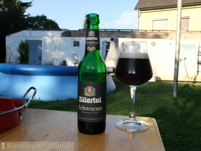 Foto eines Bieres der Marke Zillertal Schwarzes aus der Brauerei Zillertal Bier