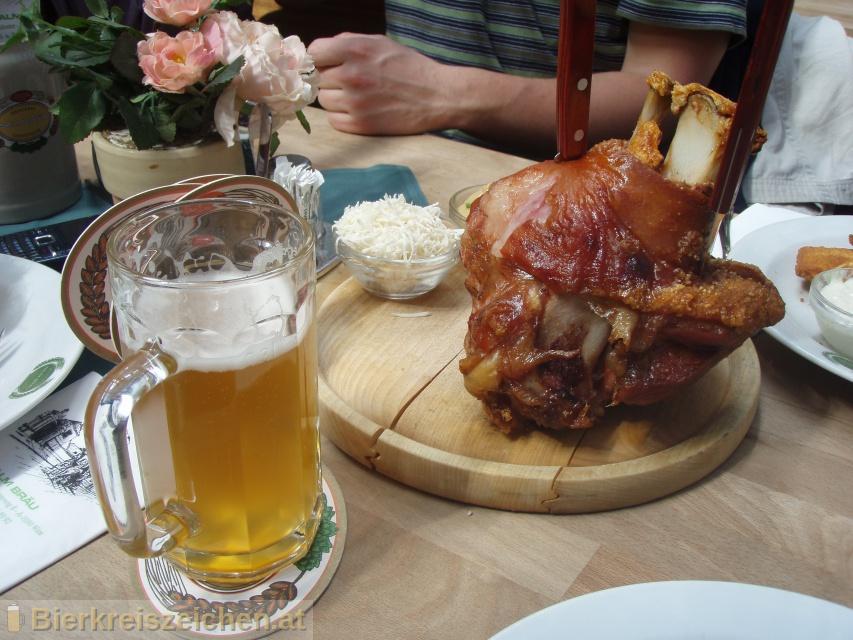 Foto eines Bieres der Marke Salm Bräu Helles aus der Brauerei Salm Bräu GmbH