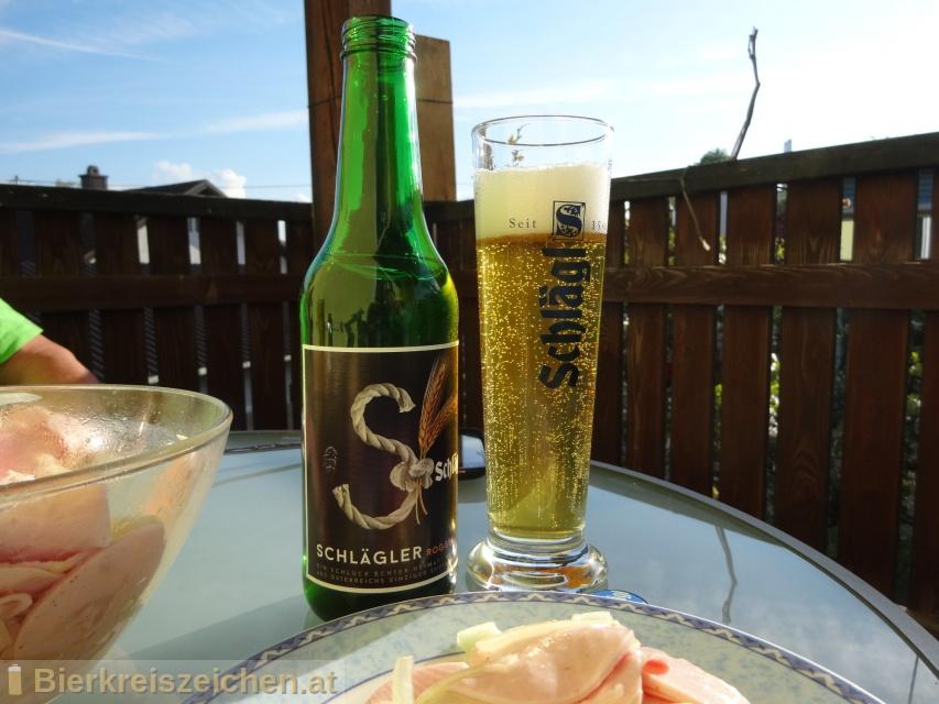 Foto eines Bieres der Marke Schlägl Roggen aus der Brauerei Stiftsbrauerei Schlägl