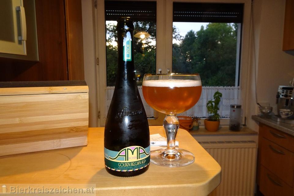 Foto eines Bieres der Marke AMA Bionda - Golden Belgian Ale aus der Brauerei Birra Amarcord