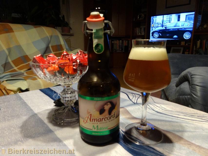Foto eines Bieres der Marke La Midòna aus der Brauerei Birra Amarcord