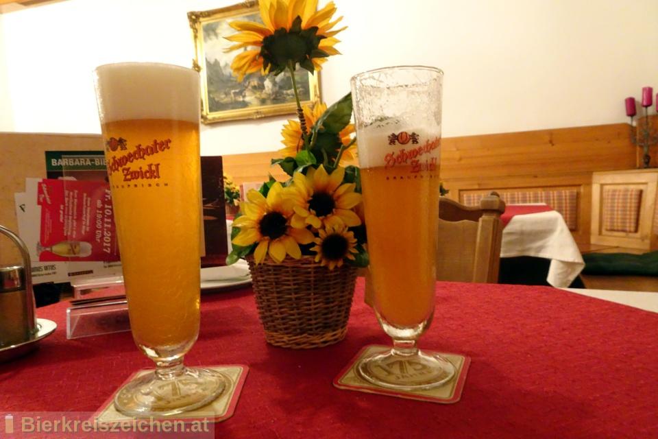 Foto eines Bieres der Marke Schwechater Zwickl Bock aus der Brauerei Schwechater Brauerei