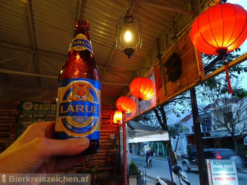 Foto eines Bieres der Marke Larue aus der Brauerei Heineken Vietnam Brewery