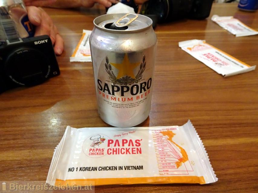Foto eines Bieres der Marke Sapporo Draft Beer (Premium) aus der Brauerei Sapporo Bīru Kabushiki-gaisha