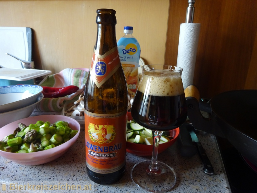 Foto eines Bieres der Marke Löwenbräu Triumphator aus der Brauerei Löwenbräu